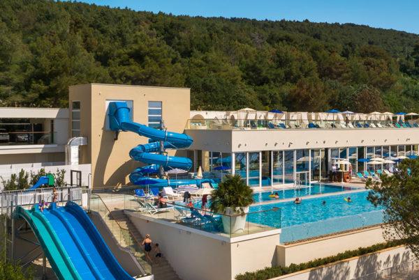 valamar-collection-girandella-resort-pool-overview-M